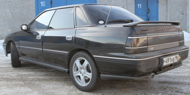 Вид сзади Subaru Legacy Turbo