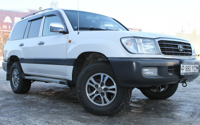 Общий вид Toyota Land Cruiser 105