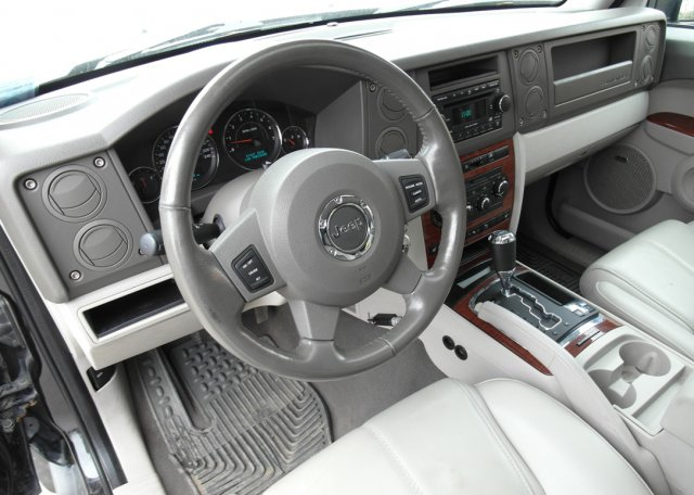 салон Jeep Commander PowerTech