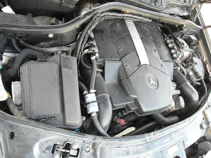 Подкапотная компоновка, Mercedes Benz ML500