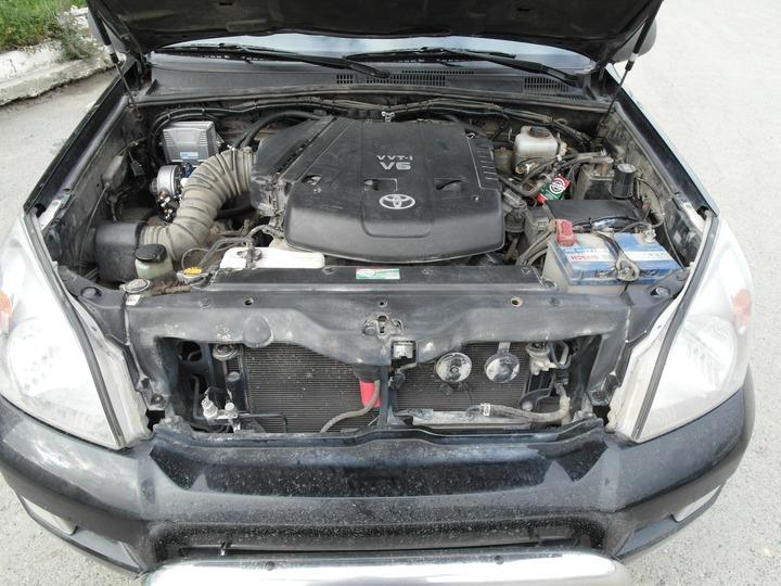 Подкапотная компоновка: двигатель 1GR-FE, 6-цилиндровый, V-образный, с системой VVT-i, объем 4.0 л, 249 л.с., ГБО AEB, Toyota Land Cruiser Prado 120