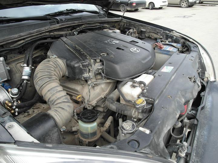 Подкапотная компоновка: двигатель 1GR-FE, ГБО AEB, Toyota Land Cruiser Prado 120