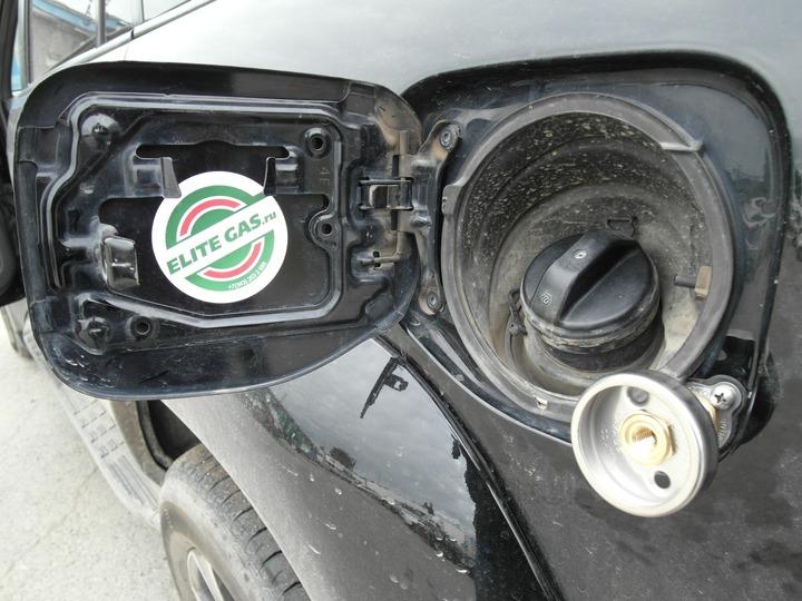 ВЗУ с установленным переходником под заправочный пистолет, Toyota Land Cruiser Prado 120