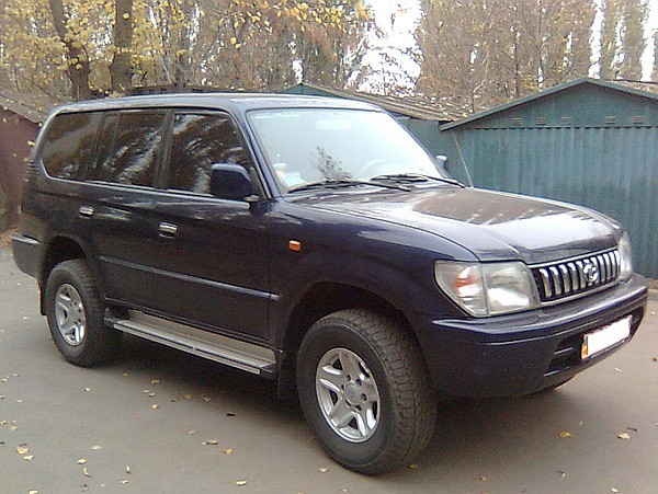 Общий вид Toyota Land Cruiser Prado 90