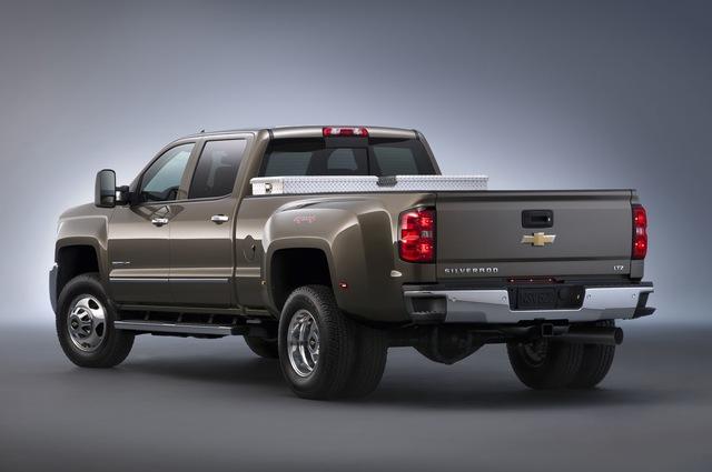 газовый автомобиль Chevrolet Silverado 2015 3500 hd
