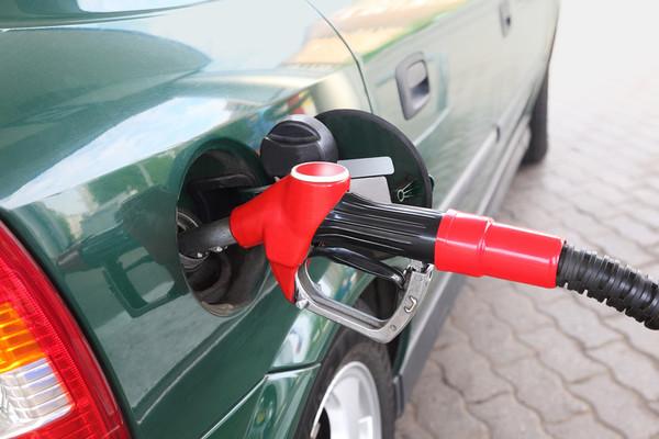 24 июня 2014. Бензин дорожает вследствие пожара на НПЗ и других факторов