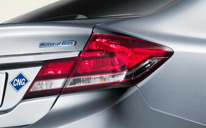 Honda Civic Natural Gas 2014, вид сзади