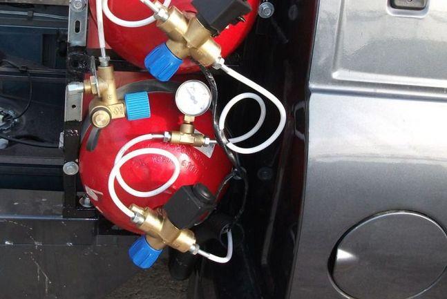 газовые метановые баллоны с вентилями безопасности