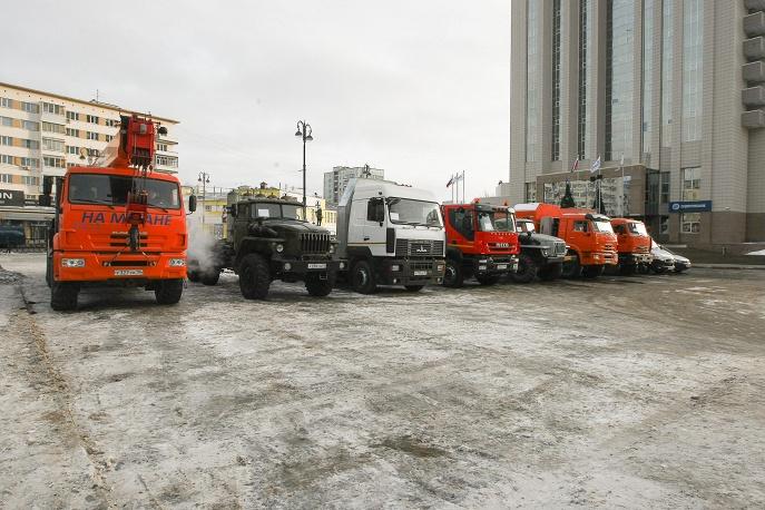 техника на метане у офиса Газпром Трансгаз Екатеринбург