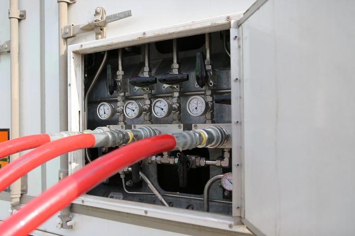 газозаправщик Титан для заправки автобусов метаном