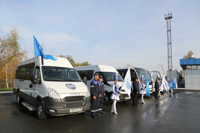 автомобили-участники автопробега Газ в моторы в Екатеринбурге