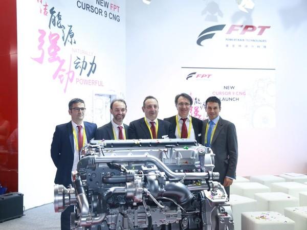 газовый двигатель Cursor 9 CNG на выставке в Пекине