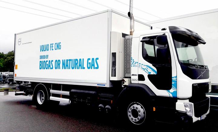 грузовик на метане, Volvo FE 320 CNG, рефрижератор