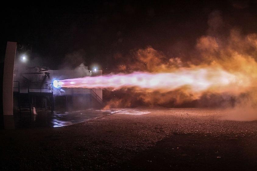 Испытания ракетного двигателя Raptor на стенде в сентябре 2016