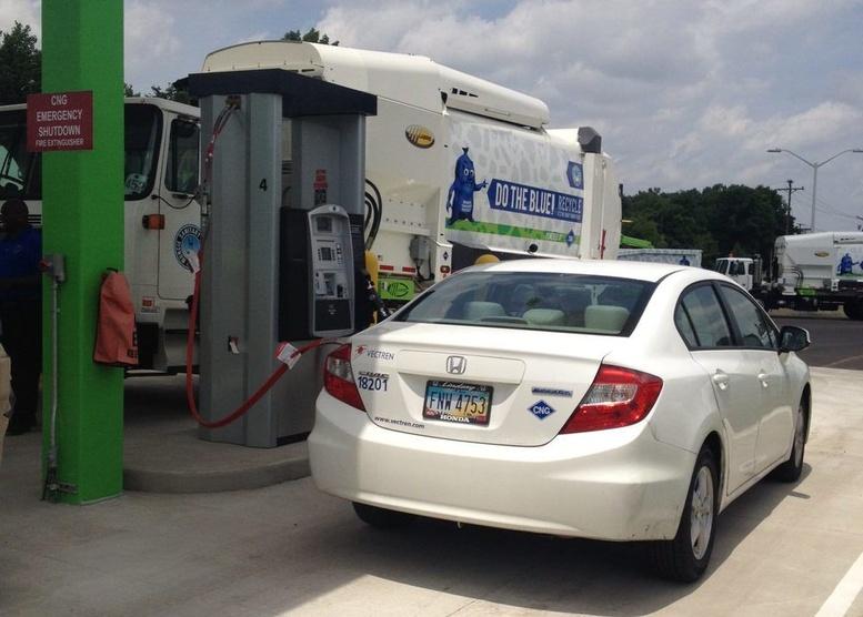Полицейские машины на метане