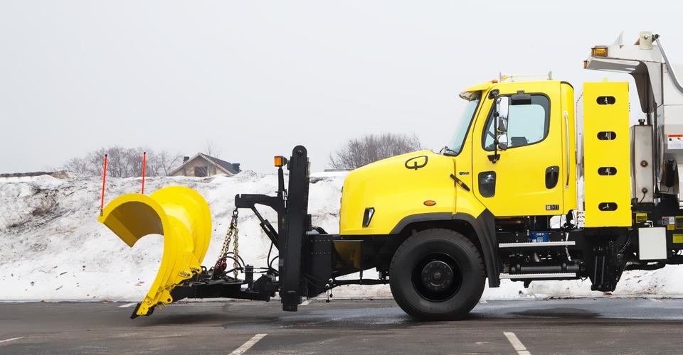 Газовый снегоуборщик Freightliner 114SD